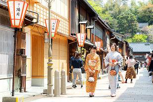 古都・金沢で過ごす乙女な時間。着物で茶道や香道、お琴はいかが?