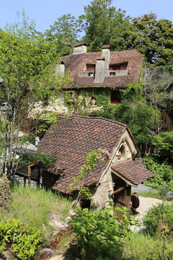 実はこの「ぬくもりの森」は、独自の建築スタイルを追求する建築会社「ぬくもり工房」の佐々木茂良(ささきしげよし)氏のモデルルームとして自宅を公開したのが始まり