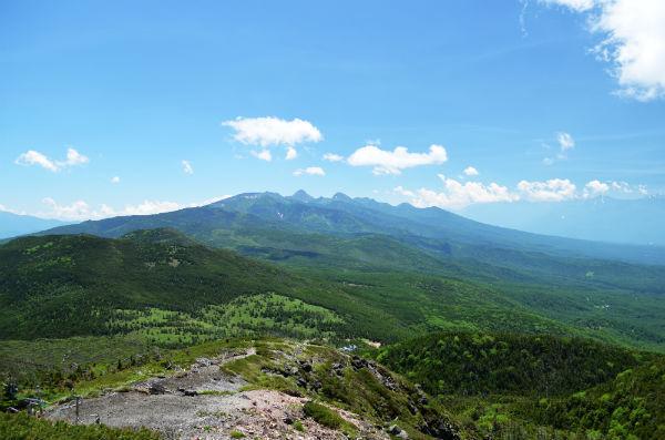 834c4e1ffe 北八ヶ岳ロープウェイを利用すれば往復3時間程度で山頂まで登ることができるんです。山頂には息を飲む絶景が広がっていますよ!