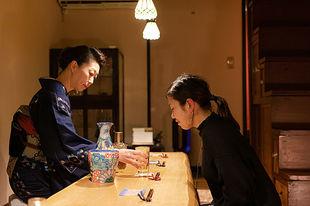 金沢・主計町茶屋街エリアで大人の雰囲気を楽しむ。一見さんOKの隠れ家バーではしご酒