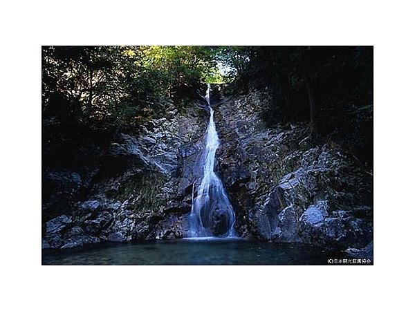 白水の滝(岐阜県関市)│観光・旅行ガイド - ぐるたび